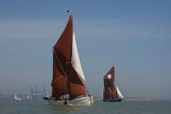 Barcas da navigação de Tamisa imagens de stock royalty free