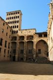 Barcellona: il Palau medioevale Reial a Placa del Rei fotografie stock