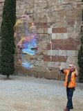 Barcellona l'aprile 2012, artista della via della bolla Fotografia Stock