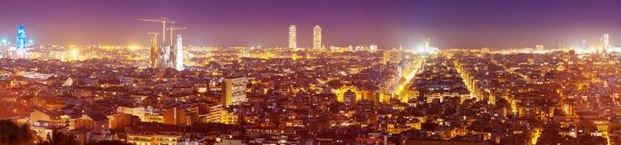 Barcellona nella sera La Catalogna, Spagna Fotografia Stock