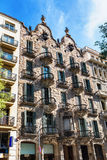 Barcellona, Spagna - 18 aprile 2016: Alloggi la casa Calvet della facciata, progettato da Antonio Gaudi Fotografia Stock Libera da Diritti