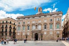 Barcellona, Spagna - 17 aprile 2016: Comune su Placa de Sant Jaume Il palazzo Generalitat di Palau Immagini Stock