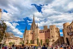 Barcellona, Spagna - 17 aprile 2016: Grande Royal Palace nel re Square Immagine Stock Libera da Diritti