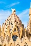BARCELLONA, SPAGNA - 16 FEBBRAIO 2017: Cattedrale di Sagrada Familia Il progetto famoso di Antonio Gaudi Primo piano Copi lo spaz Fotografia Stock Libera da Diritti