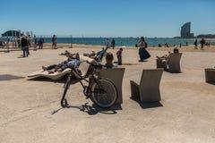 BARCELLONA, SPAGNA - 11 MAGGIO 2014: Spiaggia di Barceloneta a Barcellona fotografie stock libere da diritti