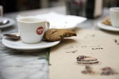 Barcellona Spagna, posto del caffè, biscotti fotografia stock libera da diritti