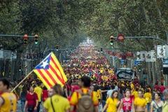 BARCELLONA, SPAGNA - SETTEMBRE 11: Ingependence di manifestazione della gente sopra Immagine Stock