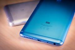 barcelona Испания 10-ое июля: Smartphones примечания 5 Xiaomi Redmi, Стоковые Фотографии RF
