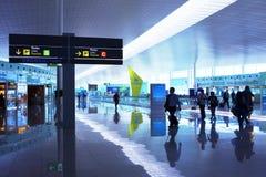 BARCELONA 9. MAI: Flüge der Flugzeuge sind beendetes b stockfotos