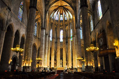 BARCELONA-AUGUST 13 :圣玛丽亚d的内部 库存照片