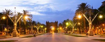 Barcelona Båge del Triomf i skymning Royaltyfria Foton