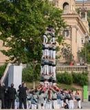 barcelona castellers de En castell - är ett mänskligt torn som traditionellt byggs i festivaler royaltyfri fotografi