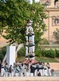 barcelona castellers de En castell - är ett mänskligt torn som traditionellt byggs i festivaler arkivfoto