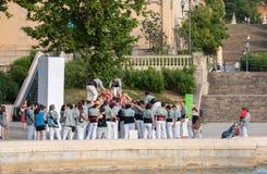 barcelona castellers de En castell - är ett mänskligt torn som traditionellt byggs i festivaler royaltyfria foton
