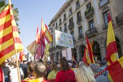 BARCELONA CATALONIA, SPANIEN, 8 OKTOBER 2017manifestation vid enheten av Spanien Arkivfoto