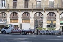 Barcelona cykel som delar den tjänste- skåpbilen Royaltyfria Foton