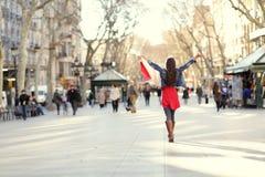 Barcelona, de winkelende vrouw van La Rambla stock fotografie