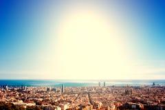 Barcelona - en fågelsikt över stad Catalonia Spanien Natt su Arkivbild