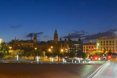 Barcelona en la noche Foto de archivo libre de regalías
