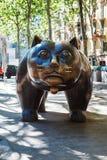 Barcelona, España - 20 de abril de 2016: Escultura del gato en el EL Raval Fotos de archivo libres de regalías