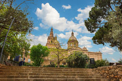 Barcelona, España - 22 de abril de 2016: Museo Nacional del arte, cuadrado de Placa De Espanya spanish imagenes de archivo