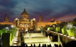 BARCELONA, ESPAÑA - 12 DE AGOSTO: Palau Nacional de Montjuic en Augu Fotografía de archivo libre de regalías