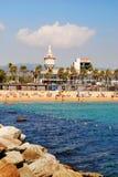 BARCELONA, ESPAÑA - 11 DE AGOSTO: Playa el 11 de agosto de 2011 en Barcel Foto de archivo