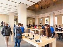 Centro de Apple Inc en Barcelona Fotos de archivo libres de regalías