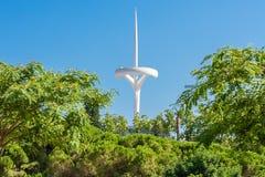 Barcelona, España - 24 de julio de 2013: Torre de la TV en el soporte Montjuic Imágenes de archivo libres de regalías