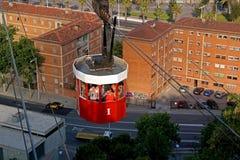 Barcelona, España - 17 de mayo de 2014: El teleférico al top de la colina de Montjuic Imágenes de archivo libres de regalías