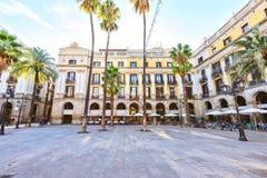 BARCELONA, ESPAÑA - 10 de noviembre: Plaza Placa real Reial Cataluña cuadrada real Imágenes de archivo libres de regalías