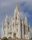 Barcelona, España - 15 de octubre de 2017 El templo de Expiatorio del corazón sagrado de Jesús es una iglesia situada en la monta foto de archivo