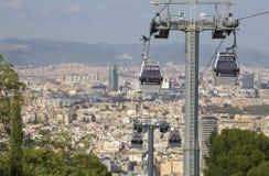 Barcelona, España - 15 de octubre de 2017 Teleférico de Montjuic Es un teleférico que da el acceso a la montaña de Barcelona de l fotografía de archivo libre de regalías