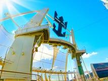 BARCELONA, ESPAÑA - 6 DE SEPTIEMBRE DE 2015: La fascinación del barco de cruceros de los mares de la compañía internacional del C fotografía de archivo