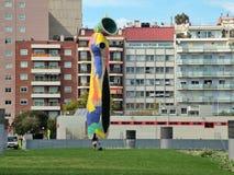 Barcelona, España 23 de septiembre de 2015 - la mujer y el pájaro de la escultura Foto de archivo
