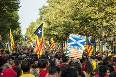 BARCELONA, ESPAÑA - SEPT. 11: Ingependence de manifestación de la gente encendido Foto de archivo libre de regalías