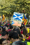 BARCELONA, ESPAÑA - SEPT. 11: Ingependence de manifestación de la gente encendido Imágenes de archivo libres de regalías