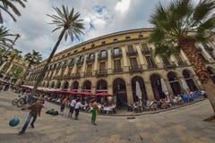 BARCELONA, ESPANHA - 28 DE ABRIL: Quarto gótico de Barcelona o 28 de abril de 2016 em Barcelona, Espanha Foto de Stock