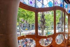 BARCELONA, ESPANHA - 11 DE MAIO DE 2018: Ruas da cidade da visita dos povos, vista Fotografia de Stock Royalty Free
