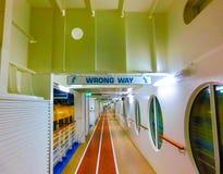 Barcelona, Espanha - 12 de setembro de 2015: O fascínio do navio de cruzeiros dos mares possuiu o International das caraíbas real Fotografia de Stock Royalty Free