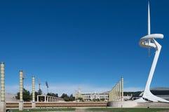 Barcelona, Espanha, em março de 2016: As telecomunicações elevam-se no parque de Olimpic de Montjuïc fotografia de stock