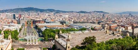 Barcelona flyover powietrznej agbar lewo Hiszpanii wieży o widok Zdjęcie Stock