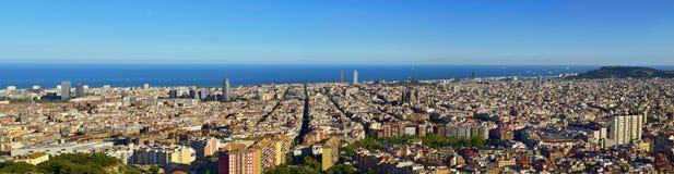 Barcelona flyover powietrznej agbar lewo Hiszpanii wieży o widok Fotografia Stock