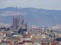 Barcelona fr?n ?verkant i v?r royaltyfria bilder