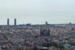 BARCELONA HISZPANIA, AUG, - 30th, 2017: szeroki kąt Barcelona strzelał od bunkierów De Carmel oferuje zadziwiać panoramiczny Zdjęcia Royalty Free