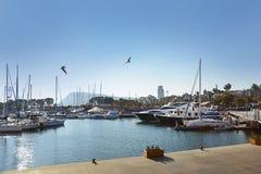 Barcelona Hiszpania, Grudzień, - 27, 2015: Piękni jachty w Portowym Velle Zdjęcia Royalty Free