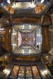 BARCELONA HISZPANIA, KWIECIEŃ, - 28: Wnętrze Palau Guell pałac na Kwietniu 28, 2016 w Barcelona, Hiszpania Obrazy Stock