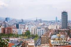 Barcelona, Hiszpania - 22 Kwiecień, 2016: Panoramiczny widok Barcelona od Montjuic w letnim dniu w Hiszpania Zdjęcie Royalty Free