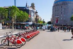 BARCELONA HISZPANIA, KWIECIE?, - 16: Widok Catalonia kwadrat w Barcelona, Hiszpania 16 Aplril 2017 S?awny turystyczny miejsce prz obraz stock