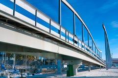 BARCELONA HISZPANIA, STYCZEŃ, - 02, 2018: Zwyczajny most przy portem V Fotografia Royalty Free